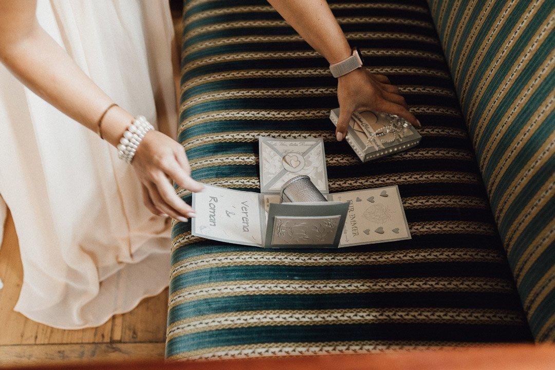 Eine kleine Überraschungsbox am Tag der Hochzeit