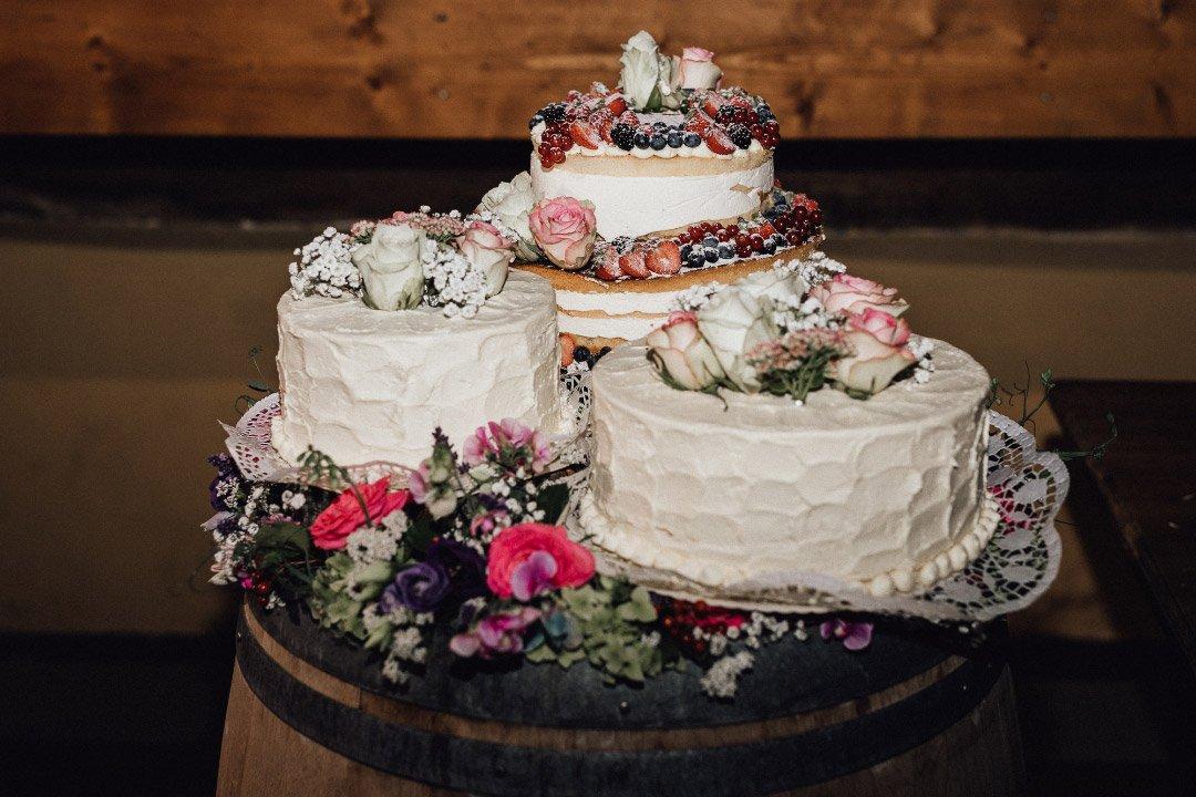 Kombination von mehreren Hochzeitstorten