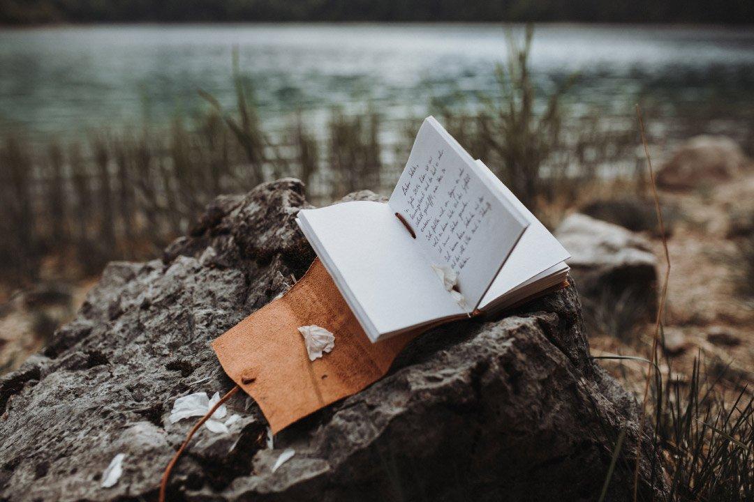 Buch mit dem Eheversprechen bei dem Elopement am Eibsee
