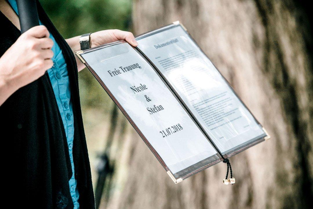 Urkunde bei der freien Trauung für Braut und Bräutigam