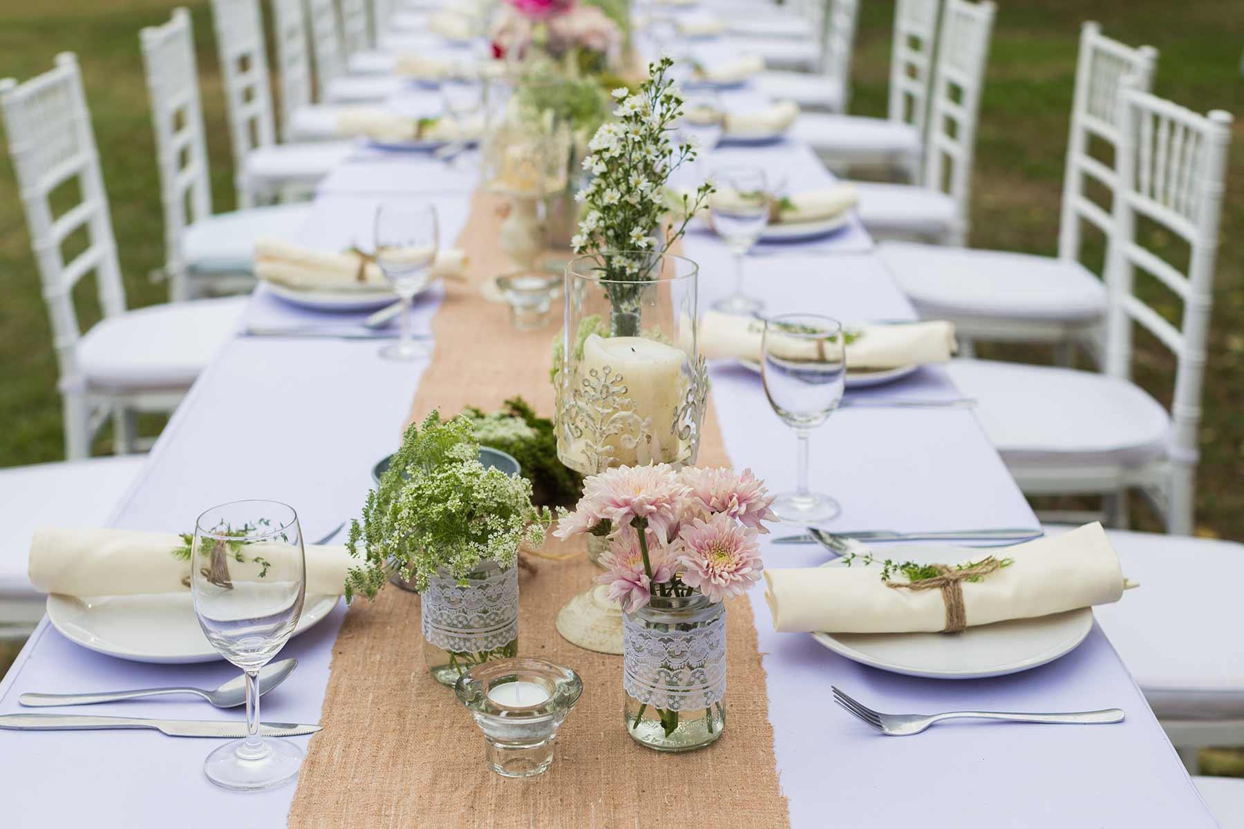 Vintage-Hochzeit: Alles, was du zur Dekoration benötigst