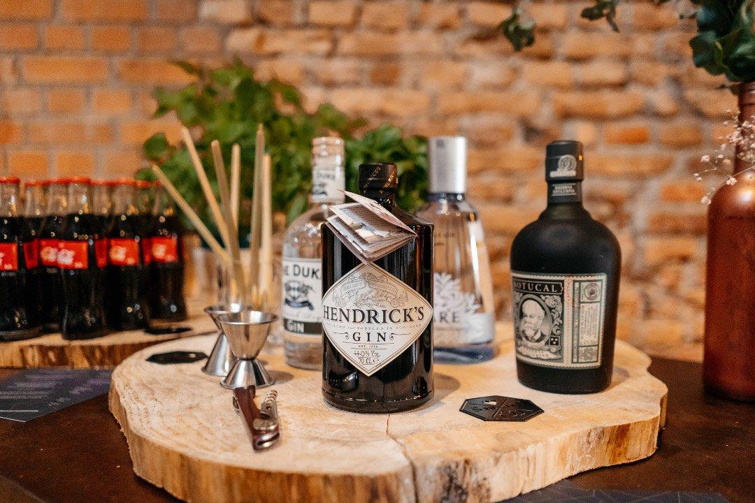 Eine Gin-Bar bei der Hochzeit
