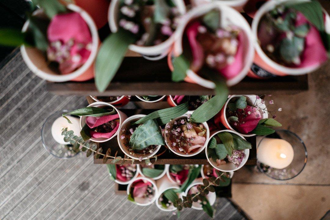 Eine Blumen und Blüten Bar bei der Hochzeit