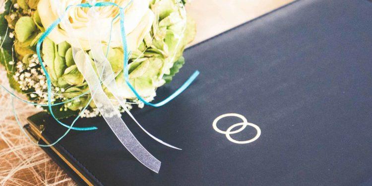 Vorgespräch mit dem Pfarrer/Pastor vor der Hochzeit: Das müsst ihr wissen!