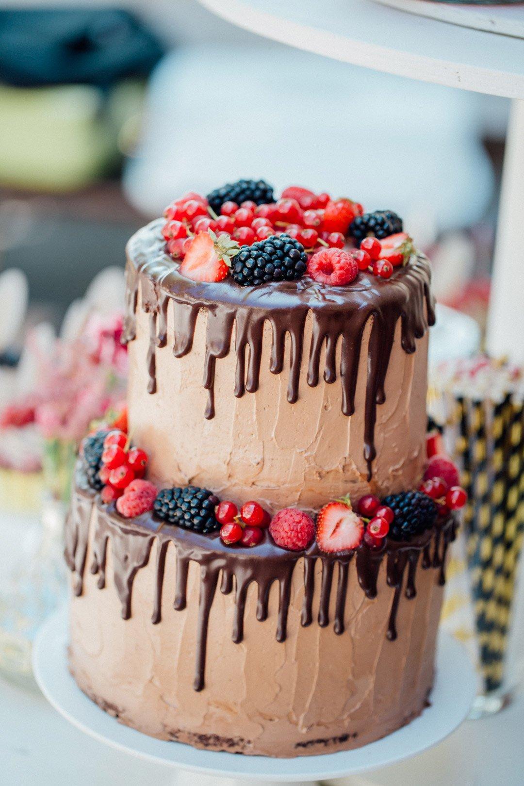 Dripping Schoko-Torte bei der Hochzeit