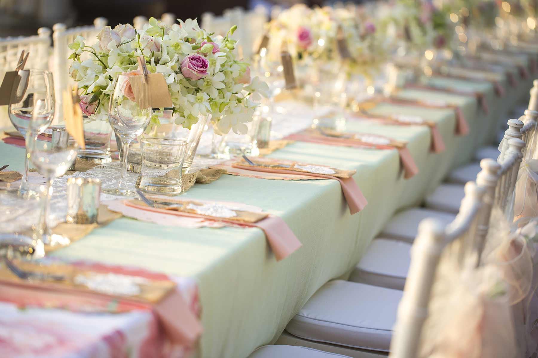 Tischlaufer Fur Die Hochzeit Als Basis Fur Die Tischdeko