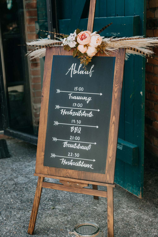 Ablaufplan bei der Boho-Hochzeit auf dem Bauernhof