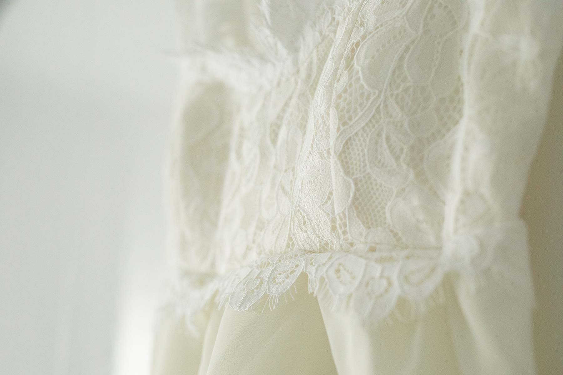Detailaufnahme von einem Brautkleid bestellt bei wish.com