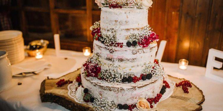 Semi-Naked Cake bei der Hochzeit