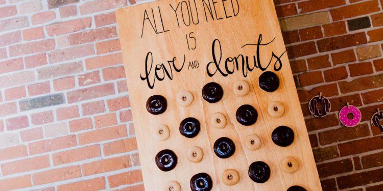 Donut-Wall zur Hochzeit