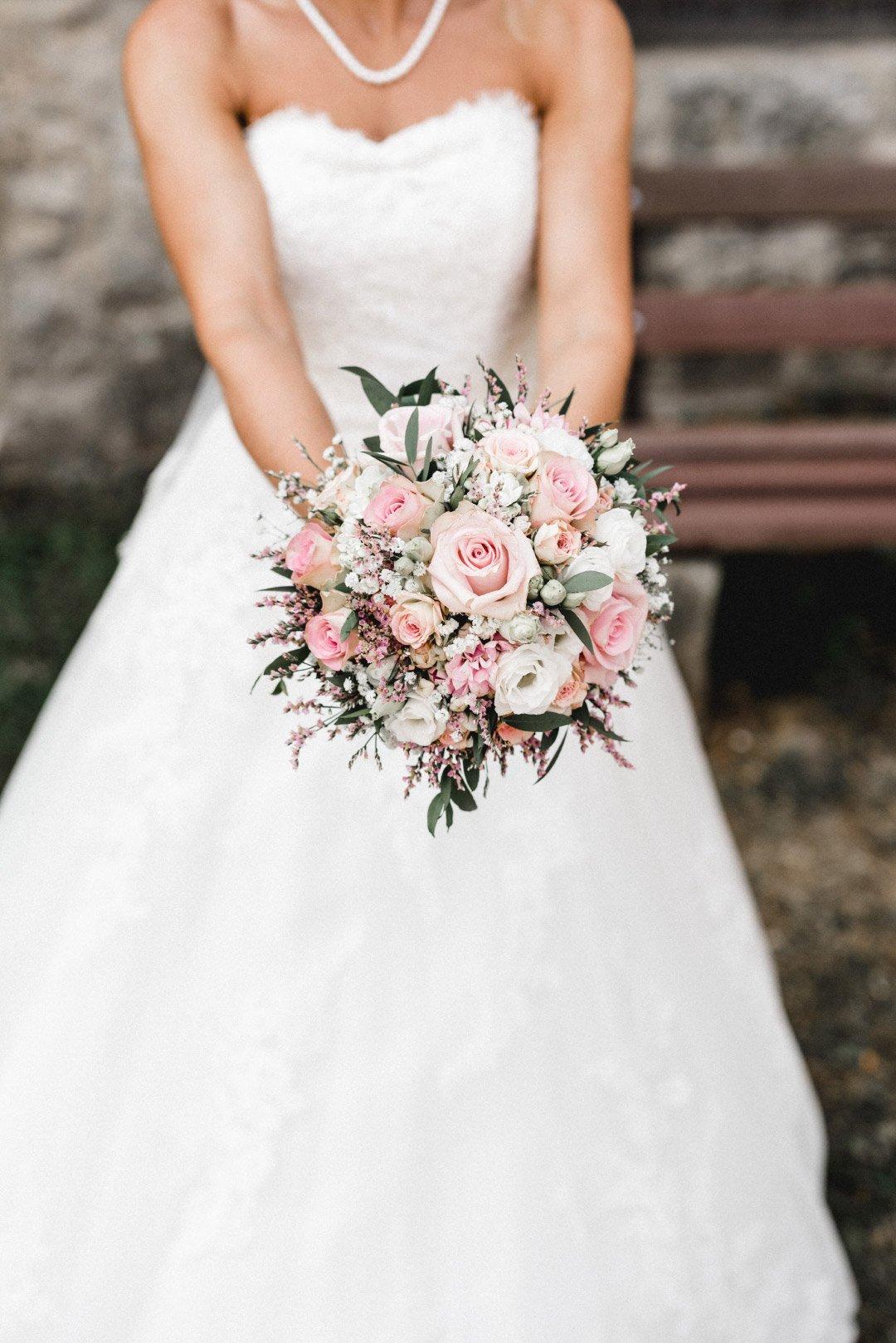 Brautstrauß mit rosa farbenen Rosen