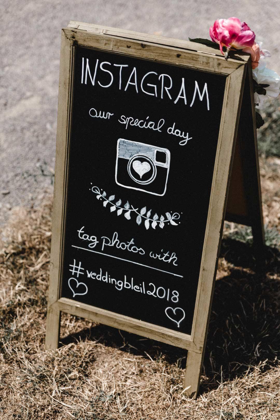 Hinweisschild für Instagram bei der Hochzeit