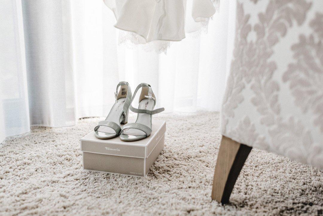 Brautschuhe auf der Schuhbox