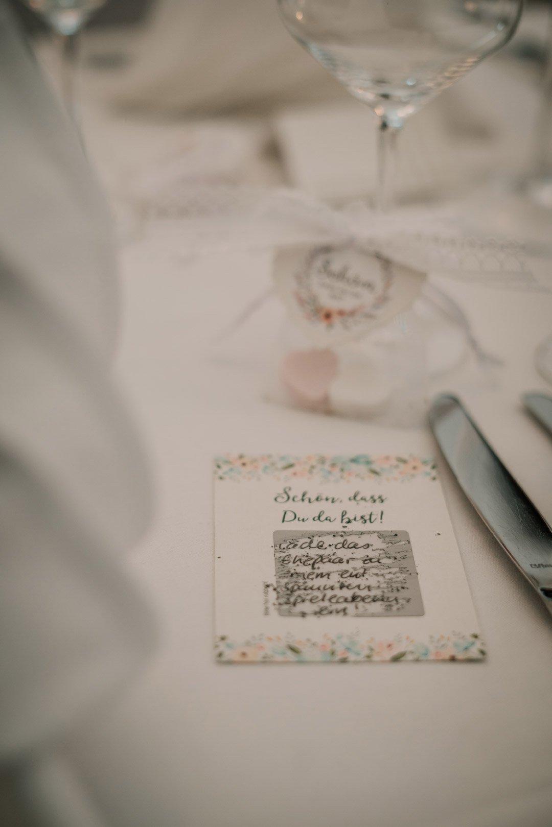 Rubbellos für die Gäste der Hochzeit