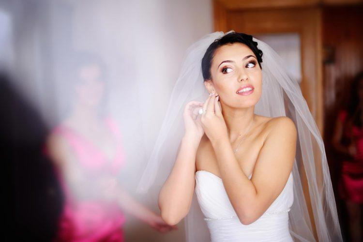 Braut-Accessoires: Ein Brautkleid kommt selten allein