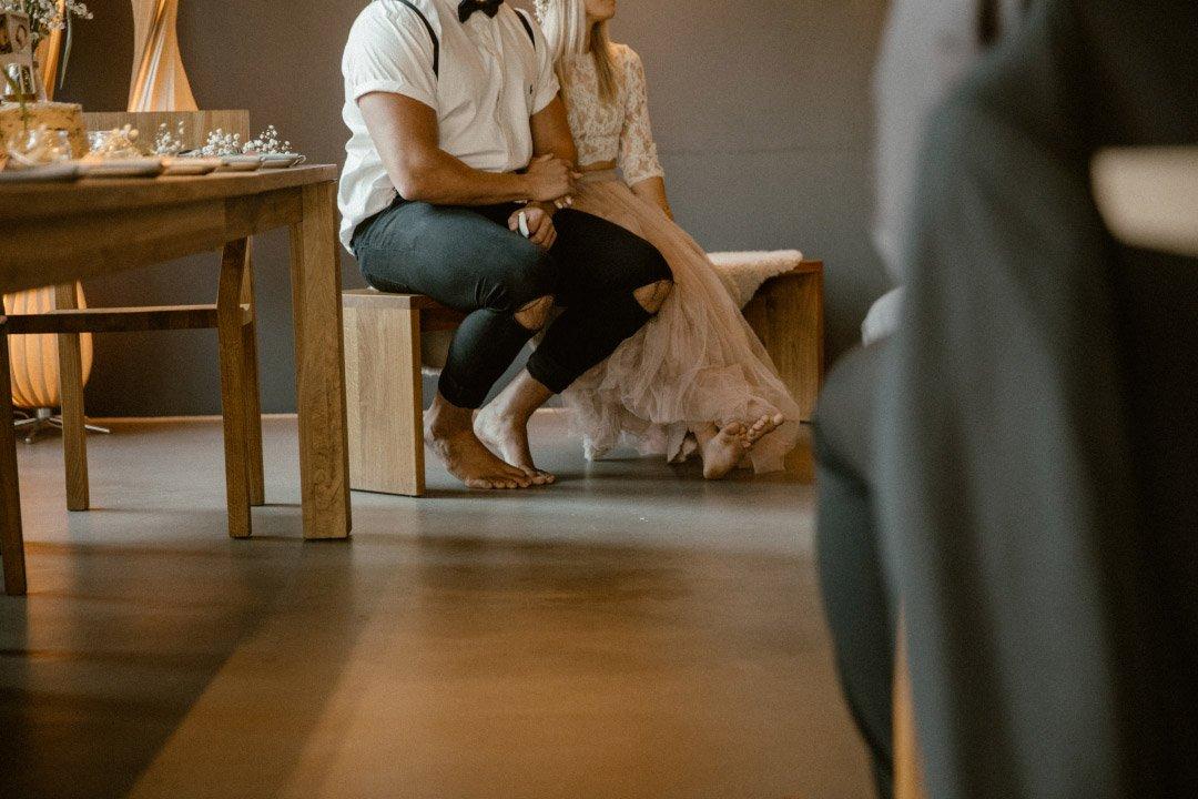 Barfuß heiraten: Dazu haben sich Alex und Tobi entschieden