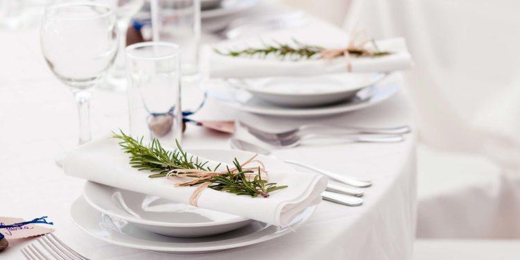 Hochzeitsservietten: Stoff oder Papier?