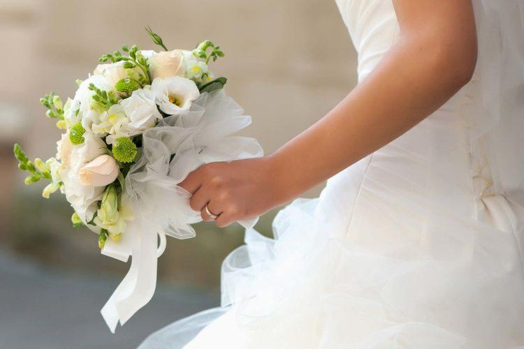Die schönsten Lieder für den Brautstraußwurf: Unsere Playlist