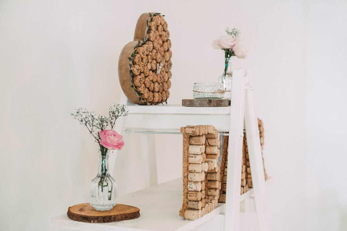 Dekoration mit Weinkorken bei der Hochzeit