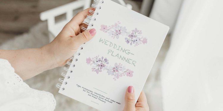 Der Hochzeitsplaner für die freie Trauung: Alle wichtigen Infos als Buch