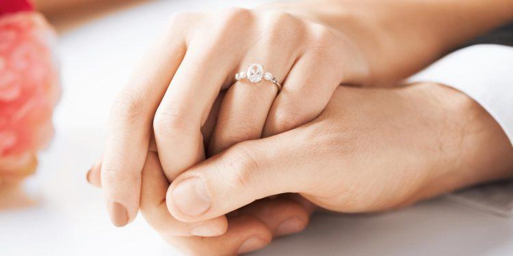 5 Wege, eure Verlobung zu verkünden!