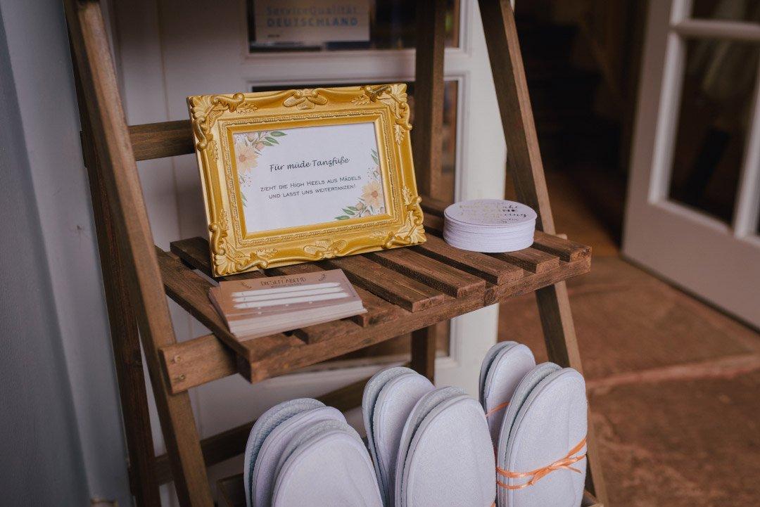 Pantoffel für müde Tanzfüße bei der Hochzeit