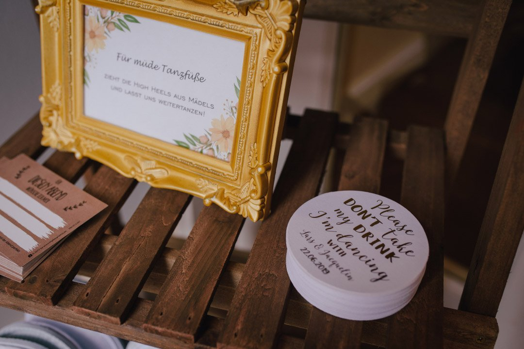 Deckel für die Gläser bei der Hochzeit