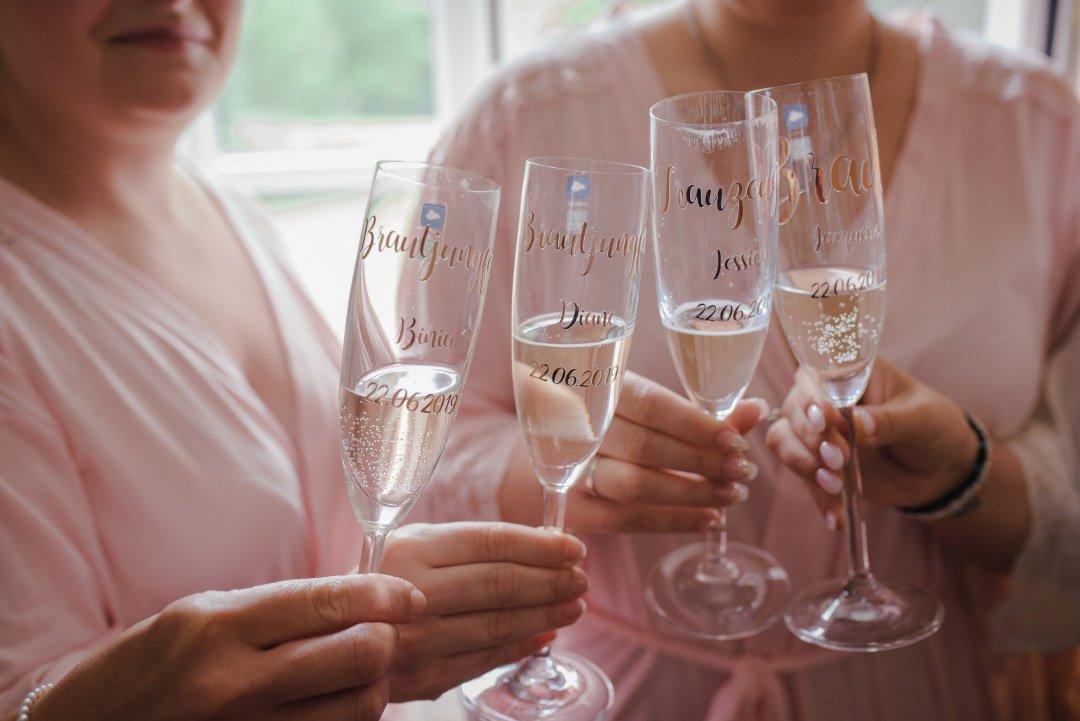 Personalisierte Sektgläser für die Hochzeit