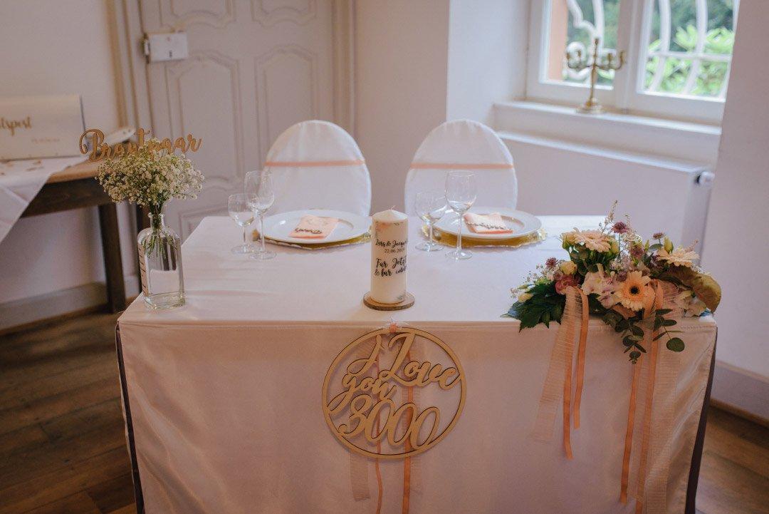 Brautpaartisch bei der Hochzeit