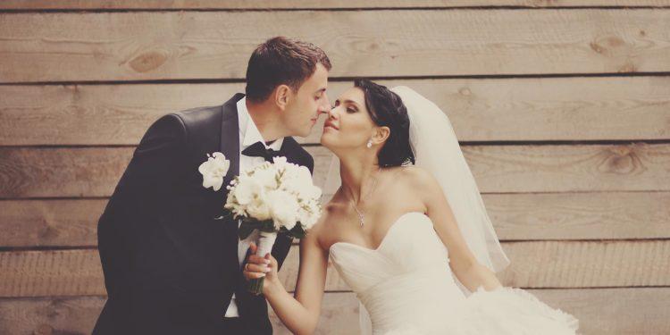 Hochzeitstrend Microwedding: Geld sparen und trotzdem schön feiern