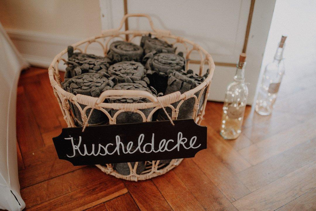 Decken für die Gäste bei der Hochzeit