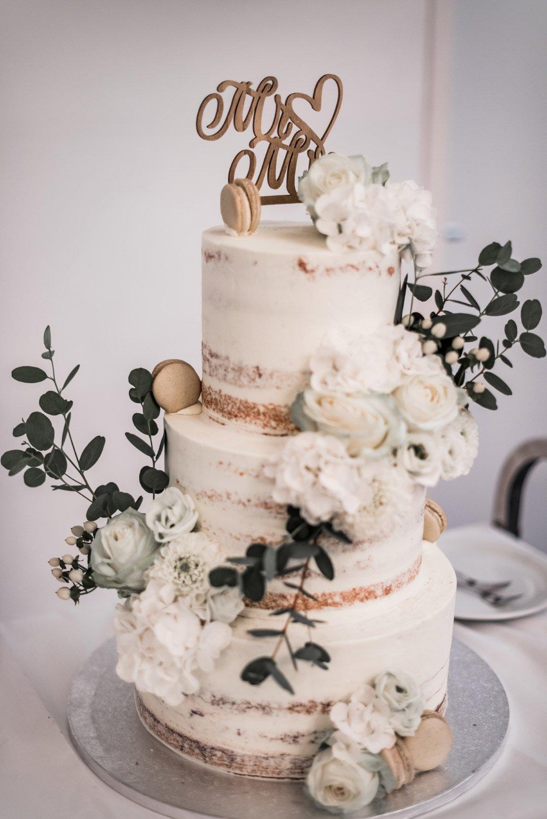 Semi-Naked Cake zur Hochzeit