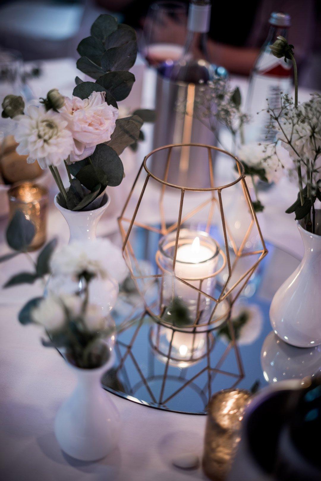 Tischdeko bei der Hochzeit mit Motto Reisen