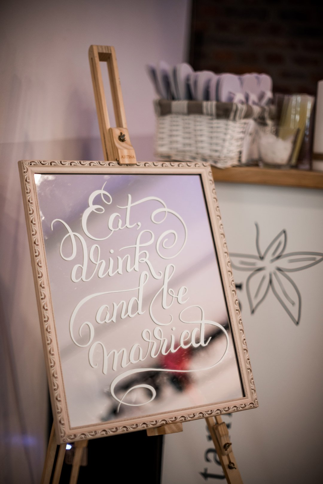 Eat drink and get married Schild
