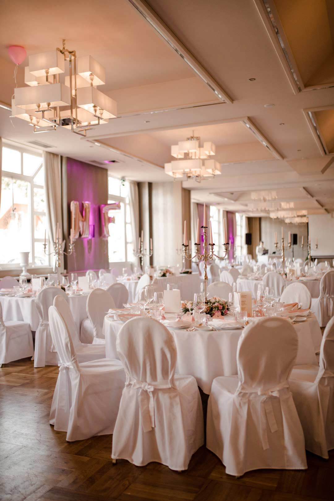 Saal für die Hochzeitsfeier
