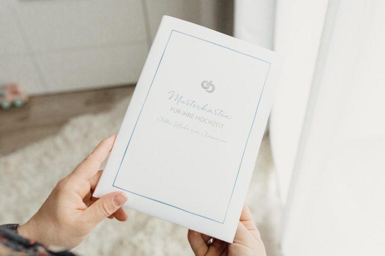 Kostenlose Musterkarten von der kartenmacherei für eure Hochzeit!