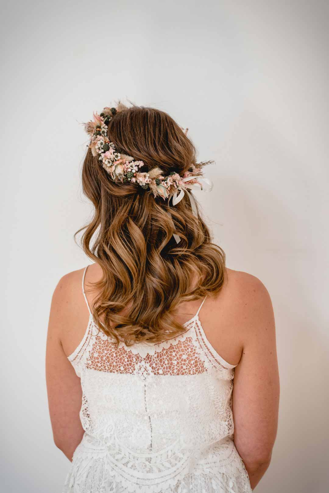 Braut mit Flower-Crown