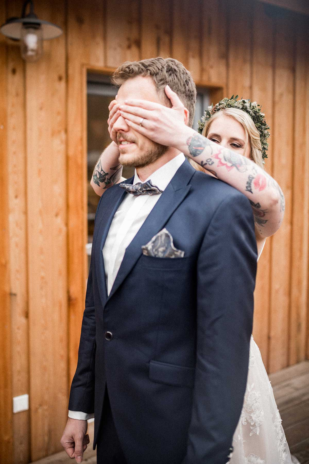 First-Look mit Braut und Bräutigam