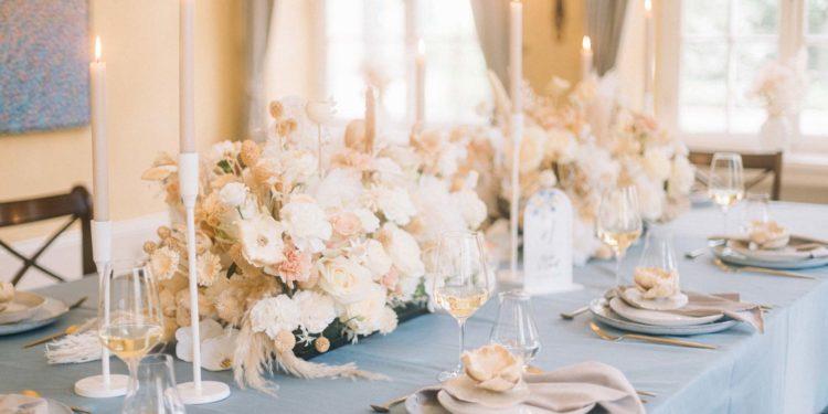 Light Touch: Hochzeitsinspiration in einem zartem Blau