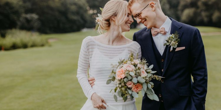 Brautpullover – für die Braut in kühlen Abendstunden