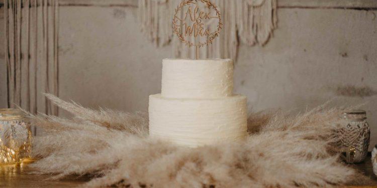 Caketopper aus Holz für eure Hochzeitstorte