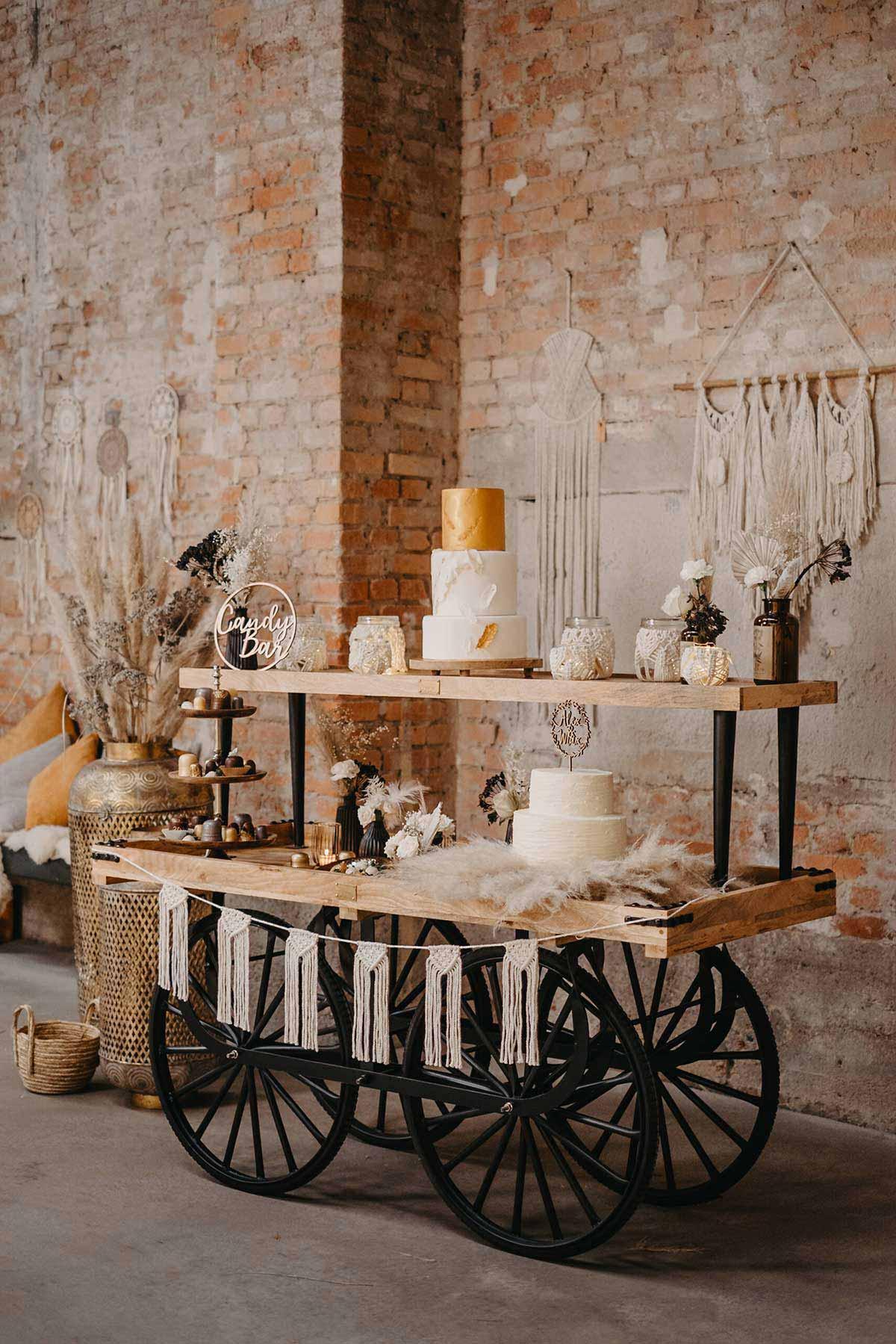 Candybar mit Hochzeitstorten