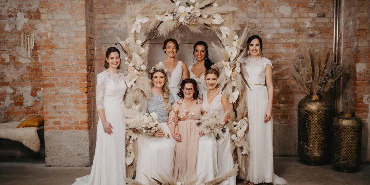 Federleichte Hochzeitsinspiration mit Trockenblumen, Makramee und mehr