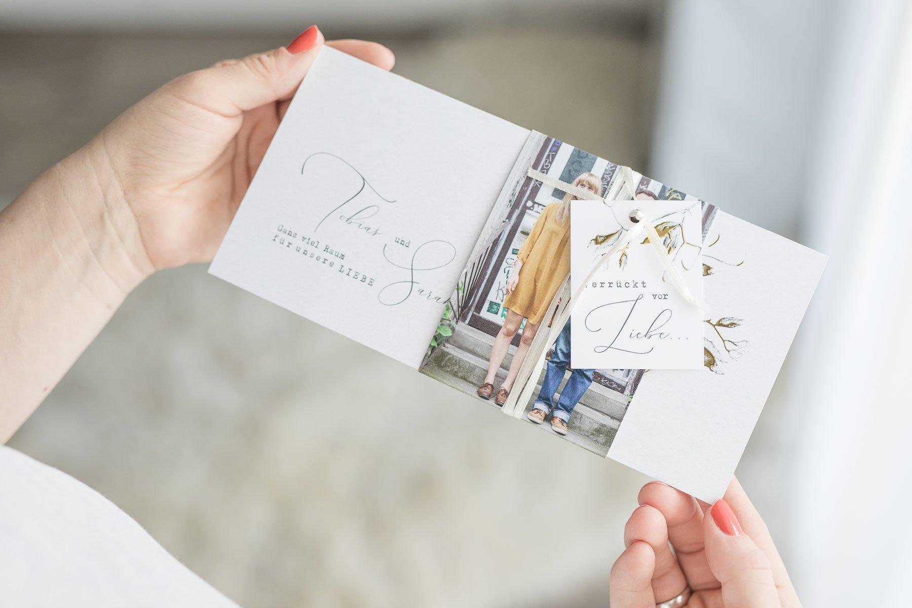 Neue Karten-Trends bei sendmoments für eure Hochzeit in 2020 - Modell Edles Zweiglein