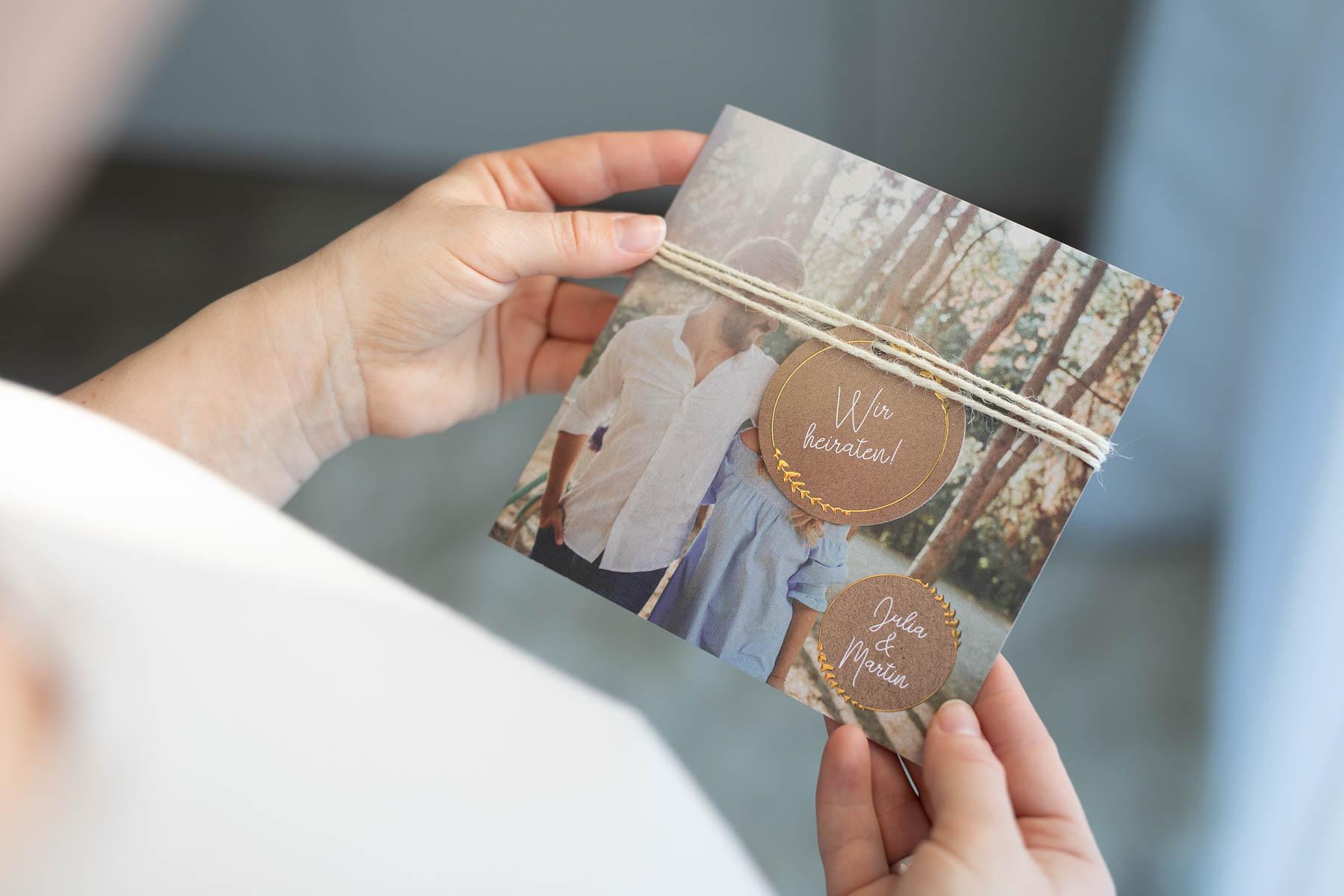 Neue Karten-Trends bei sendmoments für eure Hochzeit in 2020 - Modell Freudenfunkeln