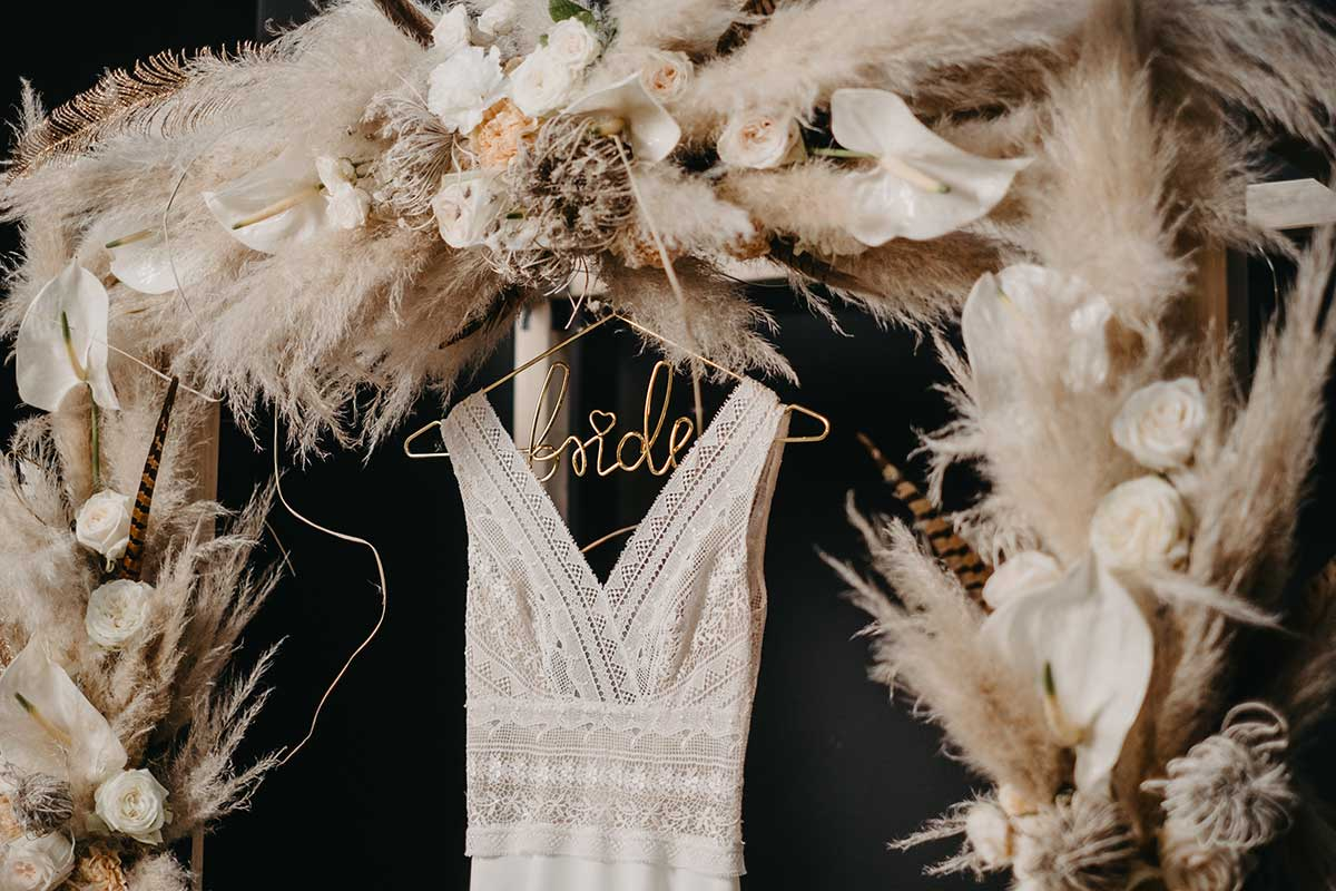 Dekoration bei der Hochzeit mit Trockenblumen