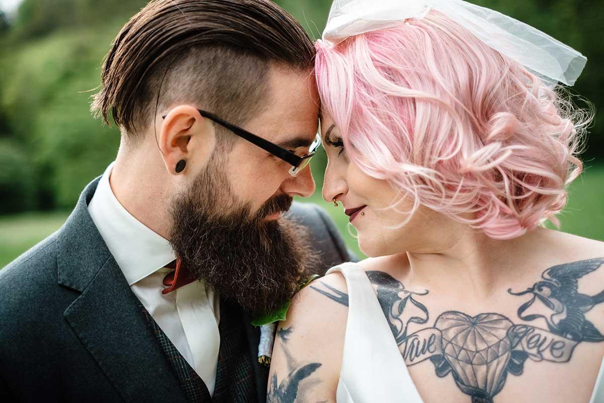 Brautpaar-Fotoshooting bei der Vintage Hochzeit