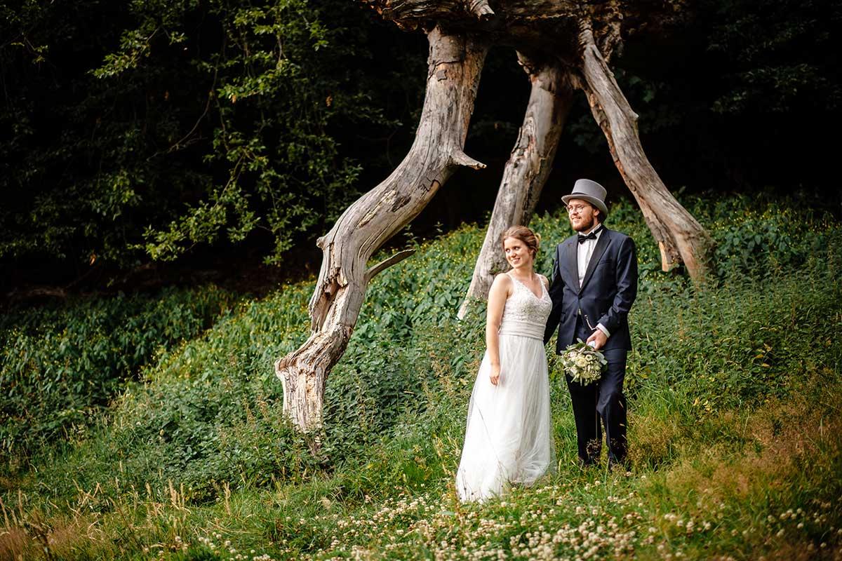 Paar-Fotoshooting mit Braut und Bräutigam