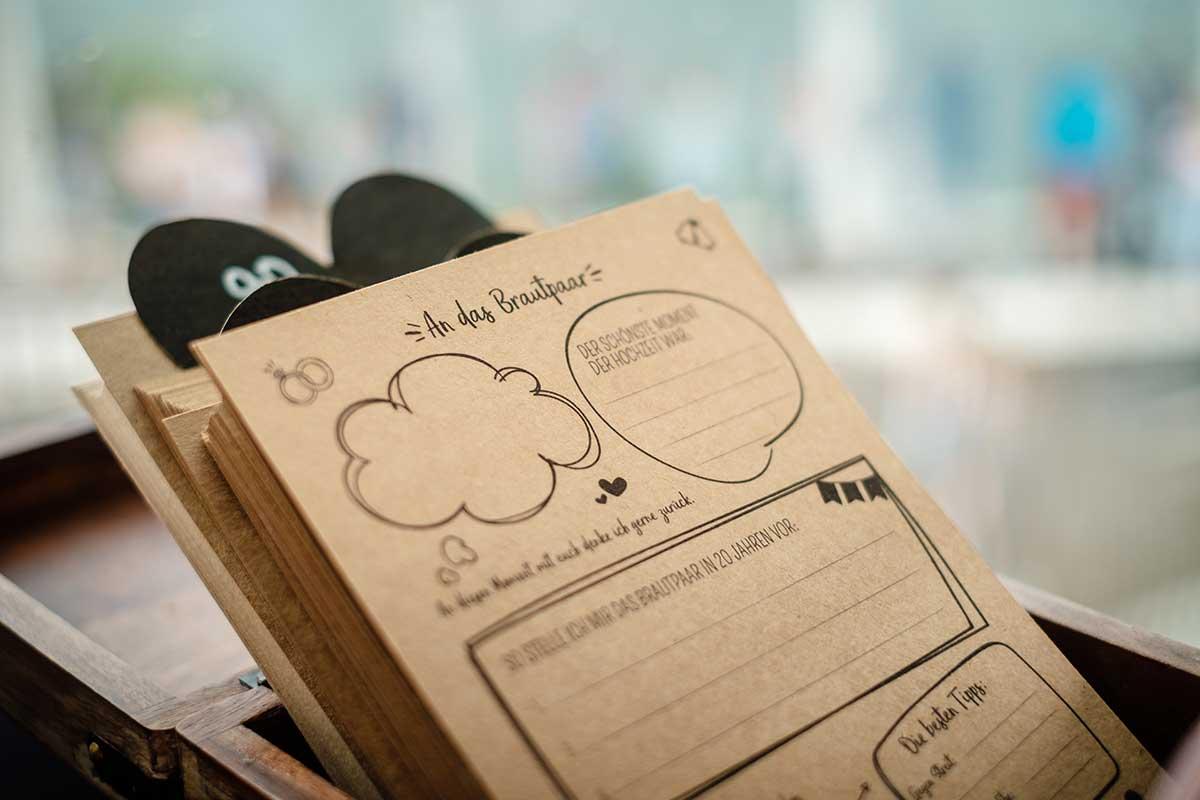 Zettel für Wünsche an das Brautpaar