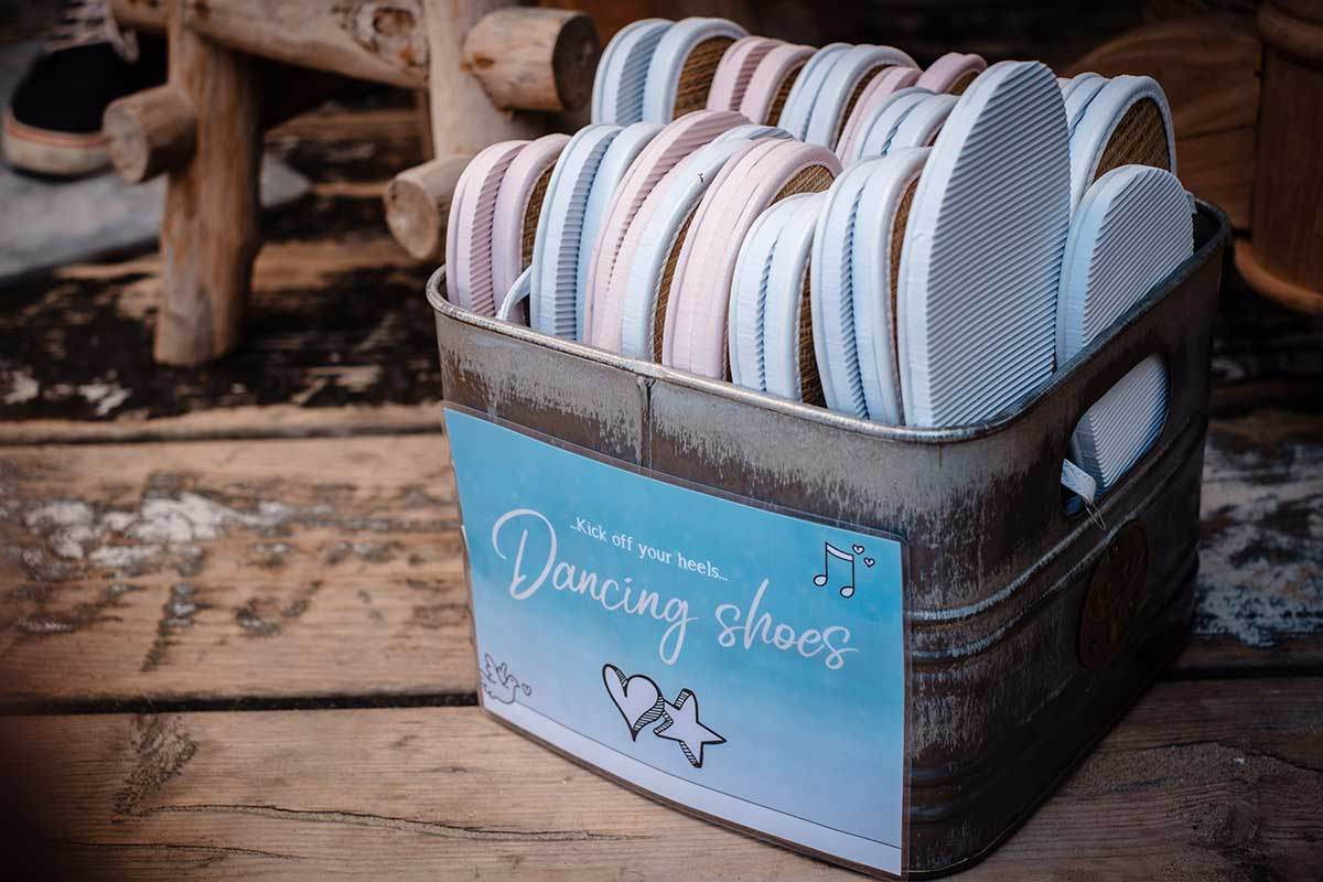 Flip Flops als Dancing Shoes für müde Tanzfüße